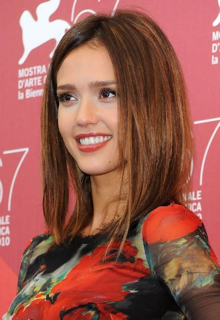 jessica alba medium straight brunette bob hairstyle