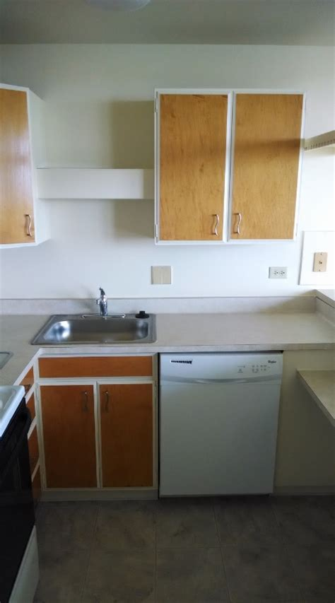 lakeshore tower apartments rentals cudahy wi
