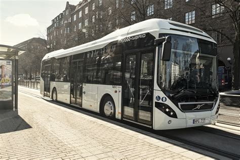 volvo  hybrid  volvo buses