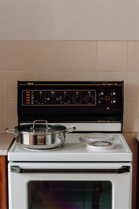 cooktops white induction cooktops