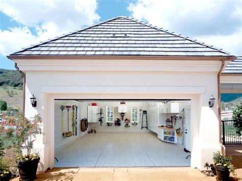 cout pour transformer un garage en chambre transformer un garage en à vivre quel budget moyen
