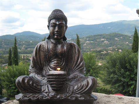 coloriage statue bouddha  imprimer