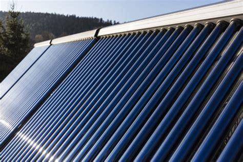 Solaranlage Roehren Oder Flachkollektor by Alle G 228 Ngigen Solarthermie Kollektoren Im Vergleich