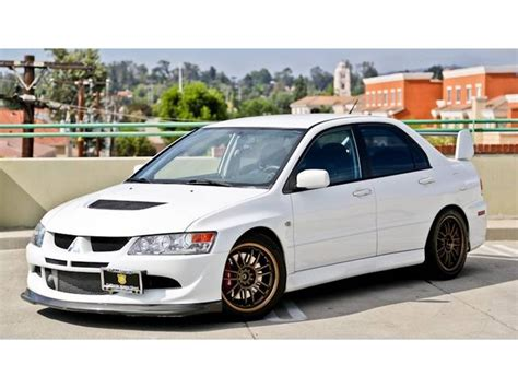 mitsubishi evolution 2005 2005 mitsubishi lancer evolution photos informations