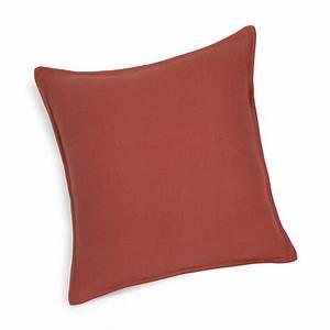 Coussin En Lin : coussin en lin lav rouge cayenne 45x45 maisons du monde ~ Teatrodelosmanantiales.com Idées de Décoration