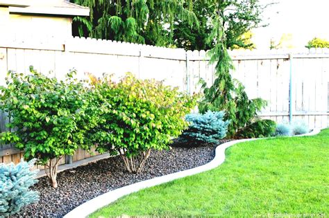 landscaping small areas attractive small corner garden ideas for areas landscaping privacy model 14 chsbahrain com