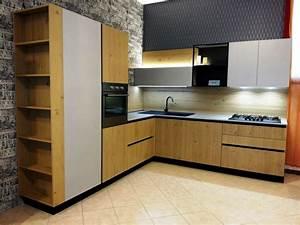 Cucina rovere chiaro – Riparazione della facciata dell\'edificio