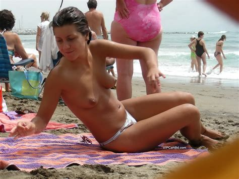 Amazing Topless Girl On The Beach Vip Candid
