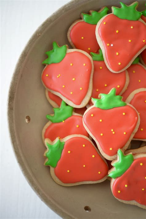 spring strawberry cookies cupcakes cashmere
