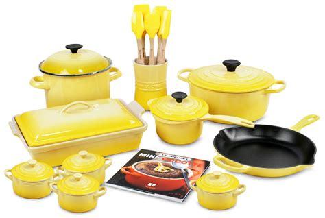 le creuset signature cast iron cookware set  piece soleil cutlery