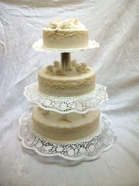 3stöckige Hochzeitstorten (rund)  Bäckerei Rose Weimar