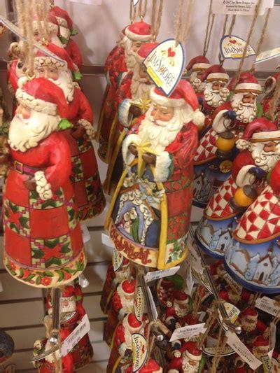 essential christmas decorations   home home genius