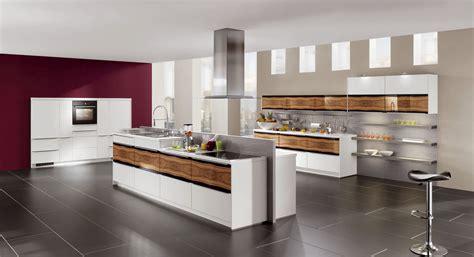 küchen modern mit kochinsel knapp k 252 che mit kochinsel modern moderne holz lackiert
