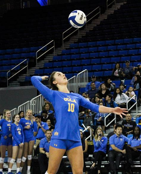 gallery ucla womens volleyball falls short  usc