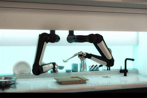robot qui cuisine tout seul un robot qui fait la cuisine comme un vrai chef