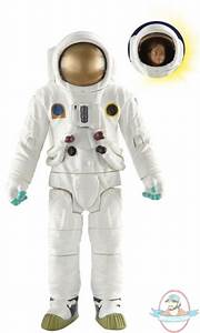 Doctor Who Action Figures Astronaut by Underground Toys ...