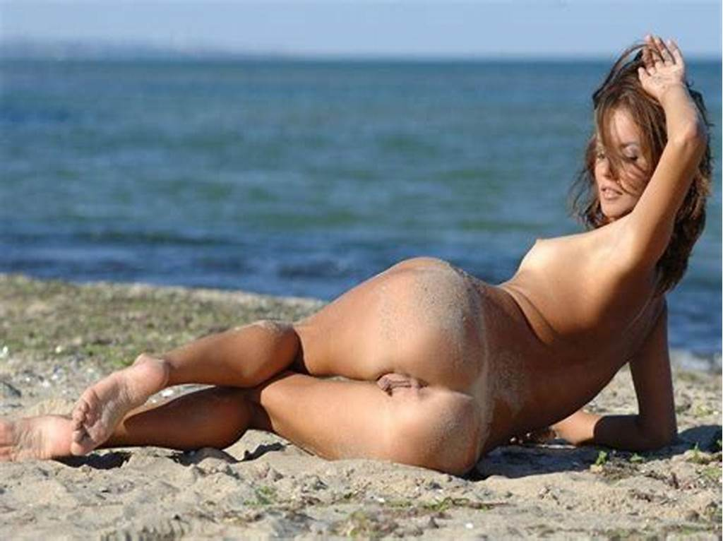 #Sultry #Babe #With #Bare #Pussy #On #The #Beach
