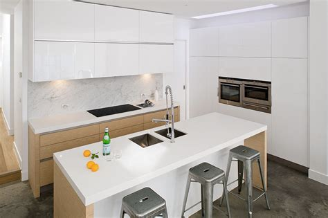 white  oak handleless kitchen true handleless