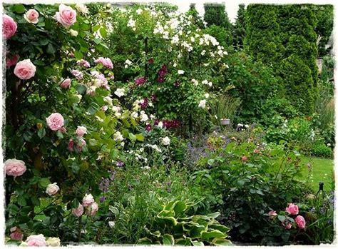 Garten Pflanzen Jahreszeit by Jahreszeiten Im Garten Fr 252 Hsommer Tuin Idee Tuin