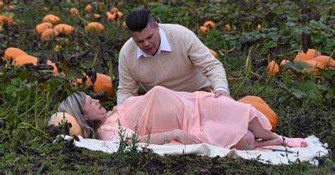 terrifying maternity photo shoot weve