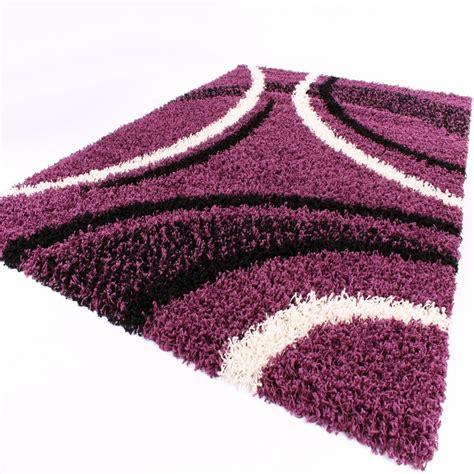 hochflor teppich lila shaggy teppich hochflor langflor gemustert in lila schwarz weiss wohn und schlafbereich hochflor