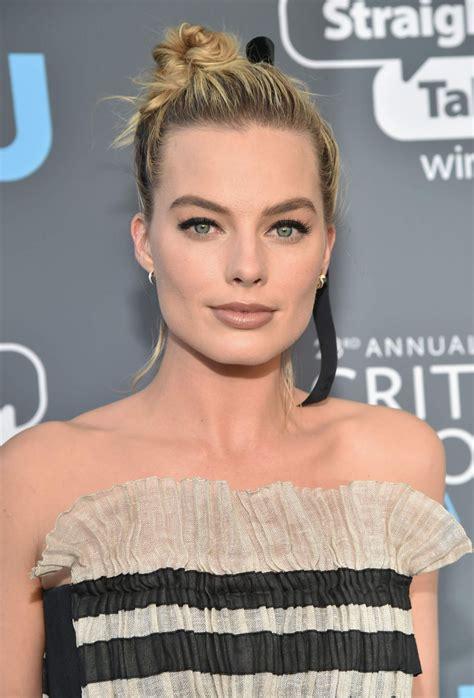 Margot Robbie 2018 Critics Choice Awards