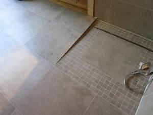 Dusche Bodengleich Fliesen : bodengleiche dusche tipps und info fliesen fieber ~ Markanthonyermac.com Haus und Dekorationen