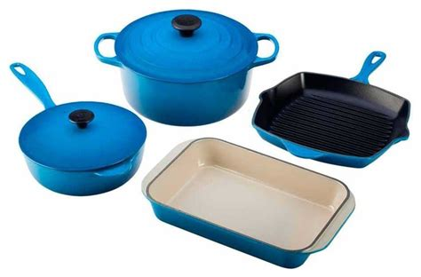 le creuset signature  piece enameled cast iron cookware set traditional cookware sets