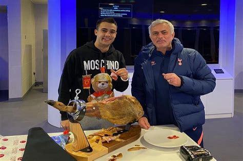 Mourinho mban premtimin, proshutë me vlerë 500 stërlina ...