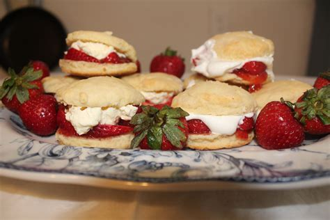 mccarthys award winning strawberry scones rants raves  recipes