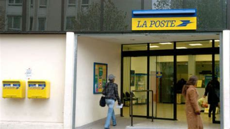 bureau poste ouvert samedi bureau de poste ouvert le samedi un guichetier la poste