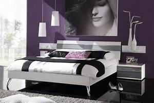 Schlafzimmer Ideen Gestaltung : lila schlafzimmer 31 super kreative beispiele ~ Markanthonyermac.com Haus und Dekorationen