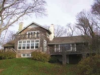 foto de Wainscott Home Of Man Allegedly Killed By Son Is On The