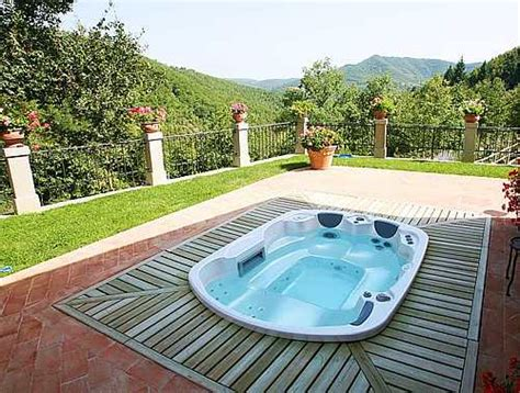 Determining The Proper Outdoor Jacuzzi Setup And Its