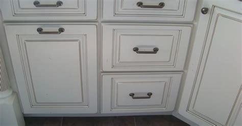 kitchen cabinets with glaze finishes white w pewter glaze ascp pewter glaze 8176
