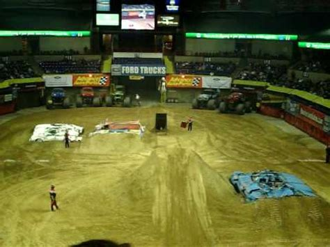 monster truck show spokane motorcross monster jam 2010 spokane arena youtube