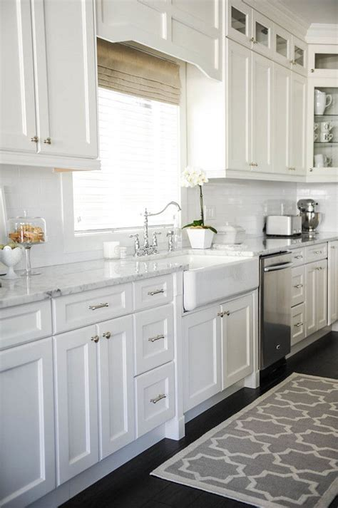 Decorating Ideas For White Kitchen Cabinets by 53 Best White Kitchen Designs Decoholic