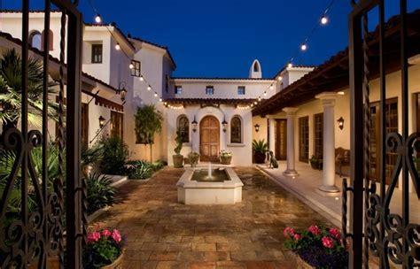 simple mediterranean house plans central courtyard hacienda   fence plement nice