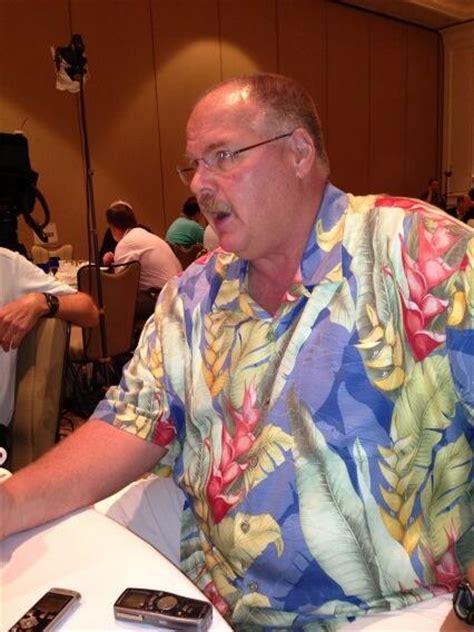 andy reid wearing   hawaiian shirt   nfl