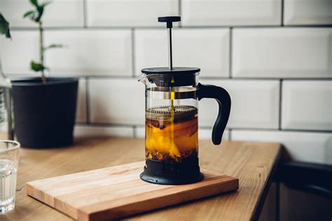 Which roughly works out as 2 tablespoons of coffee per cup, and 8 tablespoons of coffee per large 1 liter/32 oz french press. Pin on FOOD!!!