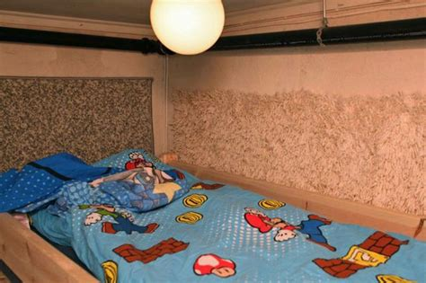 man arrested  child abduction probe  soundproof basement room filled  childrens toys
