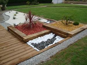 awesome decoration jardin avec cailloux 7 decoration With decoration bois exterieur jardin