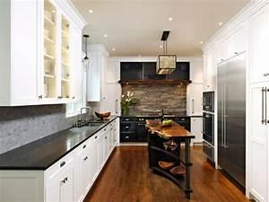 relooker sa cuisine comptoir de cuisine noir suspension With carrelage adhesif salle de bain avec ampoule led pour hotte