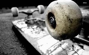 Skateboarder Girl Skateboarding Wallpaper HD For Desktop ...