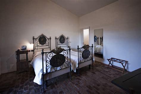 hotel  camere romantiche  vasca idromassaggio