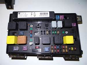 Used Opel Astra H  L48  1 6 16v Twinport Fuse Box