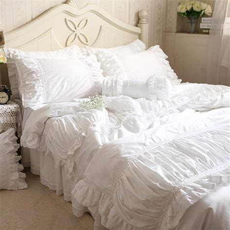 white bedspread with ruffles lace bedding set