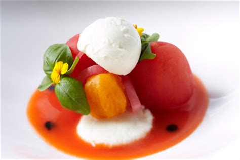 cuisine sodexo ascot racecourse heirloom tomato and basil salad with mozzerella and a tomato and