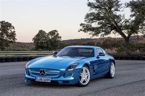 *free* shipping on qualifying offers. 2013 Mercedes-Benz SLS AMG Coupé Electric Drive   Review   SuperCars.net