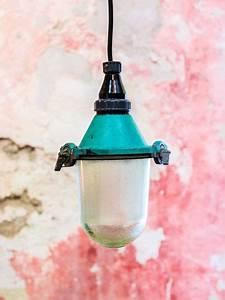 Lampe Suspension Industrielle : lampe suspension abat jour industrielle atelier ~ Dallasstarsshop.com Idées de Décoration